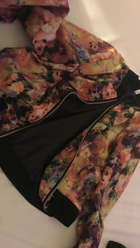 orange and red floral print jacket Courtice, L1E 1Y2