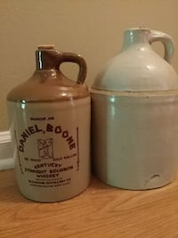 2 stone jugs Richmond, 40475