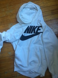 white and black Nike pullover hoodie Montréal, H4M 1V2