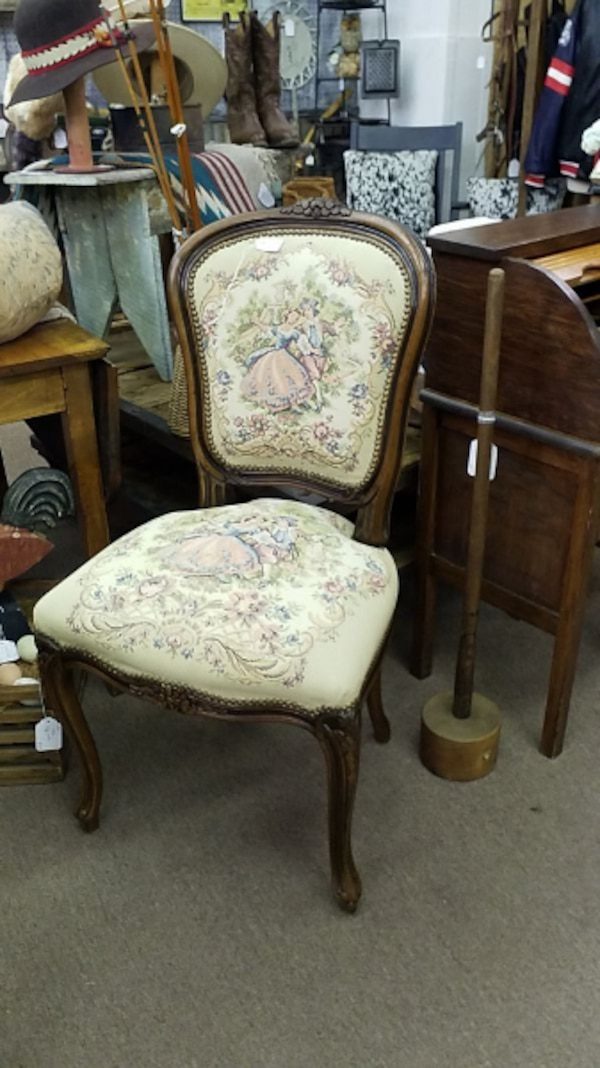 Prime Used Tapestry Chair For Sale In Mesa Letgo Machost Co Dining Chair Design Ideas Machostcouk