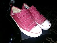 Vans mens 7.5... Women's 9.0 Downey, 90242