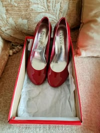 Shoes - Size 6 Mississauga, L4X 1X7