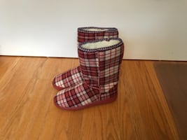 Red Plaid Patterned Boot(Brand new)
