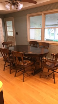 Table with 6 chairs & leaf Southington, 06489