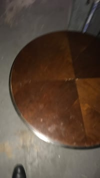 round brown wooden coffee table Columbus, 43229