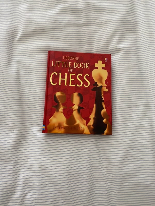 The book of Chess 3bccd184-d7fe-4065-96d7-7a353f1a39bc