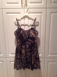 GUESS Women's black floral dress Montréal, H1M 3G5