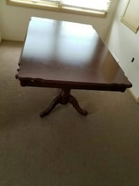 5 Piece Dining Room Set (Table and 4 Chairs)