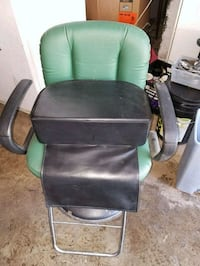 Hair styling child booster seat Rockville