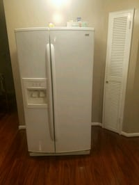 white side-by-side refrigerator with dispenser Alexandria, 22304