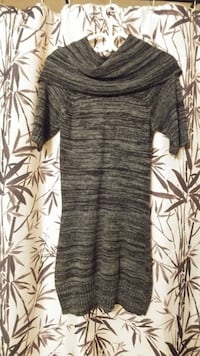 Must go! Women's short sleeve sweater. Large. Good condition. Pickup in Simcoe. Simcoe