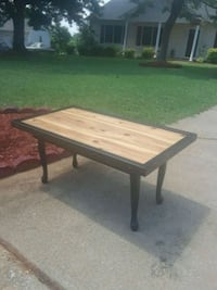 Brand new coffee table never used Boiling Springs, 29316