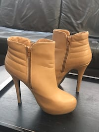 Ladies Shoes for $20 Mississauga, L5N 7G3