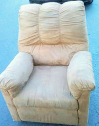 Recliner Rocking soft Chair Coral Springs, 33065