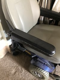 Motorized jazzy chair price negotiable for quick sale