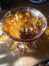 Amber carnival glass vintage punch bowl with laddie,hooks and cups (12) Stirling-Rawdon, K0K
