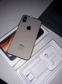 Iphone XS + lader og hodetelefoner 6243 km