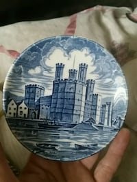 Old chelsea white and blue collectable  plate  2061 mi