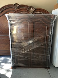 Brown wooden 2-door Amour/cabinet with base Gilbert, 85298