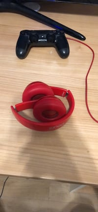 Beats solo 2 Red Edition