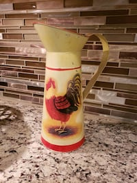 SUPER CUTE ROOSTER THEMED METAL PITCHER  Horizon City, 79928