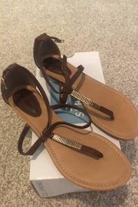 Brown sandal so 9  Toms River, 08755