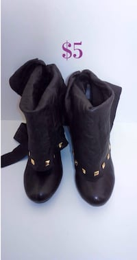 Brown Gold studded boots: women's size 7.5 Brampton, L7A