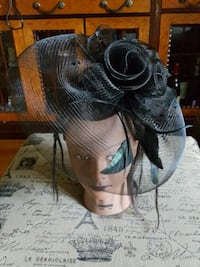 Wedding hat or church hat . We have diffents color 42 km