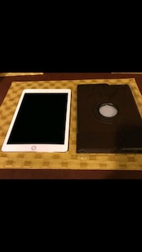 Ipad air 2 mint condition hardly used.16 gb. Algonquin
