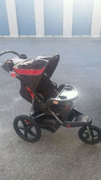 baby's black and red jogging stroller Dallas, 30157