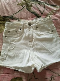white distressed short Connersville, 47331