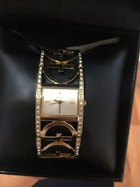 square gold-colored analog watch with link bracelet Midland, 79703