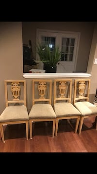 Beautiful 4 chairs fabric. Excellent condition delivery available  Brampton