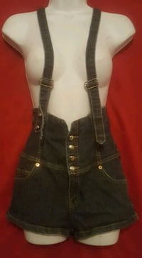 Wet seal overall shorts size 7  Phoenix, 85008