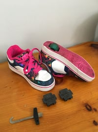 Heely's running shoes-Size 3 TORONTO