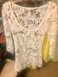Cute bathing suit cover up! Never worn! Ordered wrong size! This is a small Hollywood, 33021