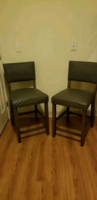 Target Counter stools (price is firm)  404 mi
