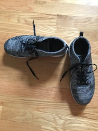 Propet womens sneakers size 9.5