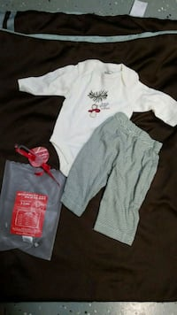 New Old Navy 1st Christmas outfit 0-3 sleeper Roanoke