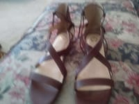 pair of brown leather open-toe sandals Modesto, 95356