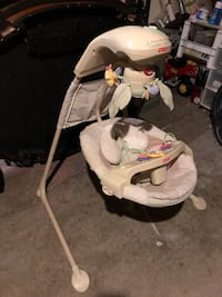 baby's white and gray cradle n swing 307 mi