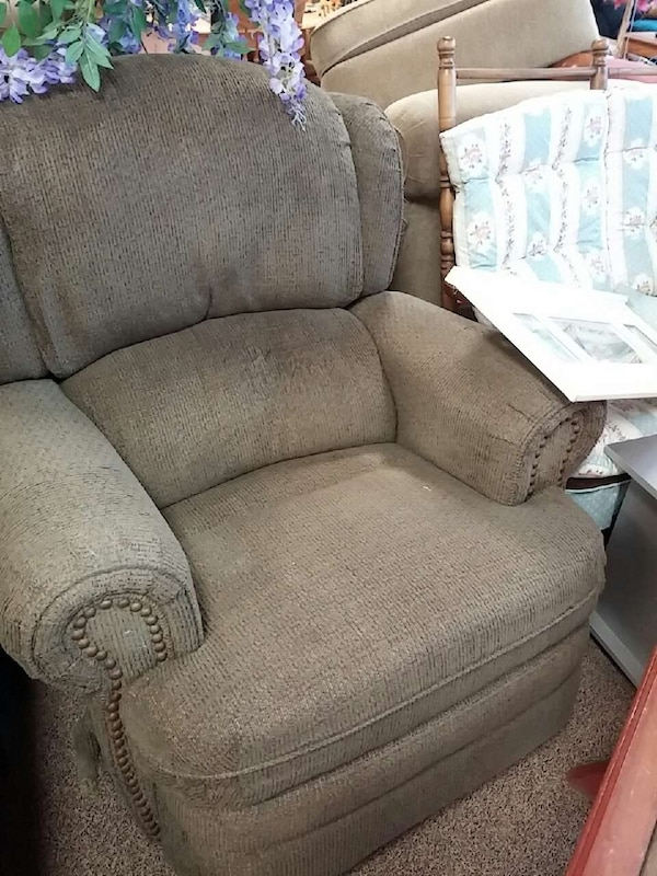 aab3ada2b39 Used Sweet home furniture consignment store for sale in Des Moines - letgo