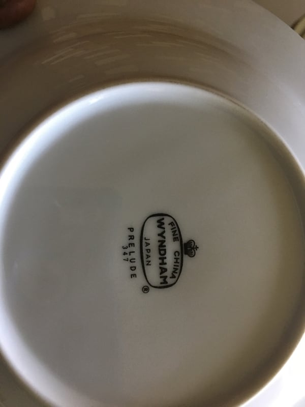 Prelude WYNDHAM china, service for 12 includes dishes, gravy, creamer 91f599b0-cb04-45be-9683-a1c5cdad53fa