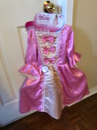 Brand new 3 princes dress from toys r us Mississauga, L5V 2J4