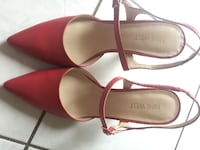 pair of red leather pointed-toe flats Mississauga, L4W 2W4