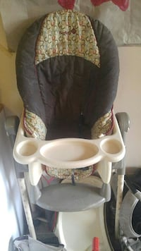 baby's white and black high chair Victoria, V8X 1P2
