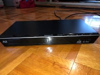 black Sony DVD player with remote Laval, H7K 1A2