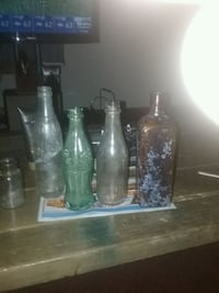 three clear glass bottles with lids Des Moines, 50317