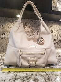 Michael Kors bag/purse Burnaby, V5A 4A5