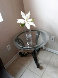 End table flowers include  Killeen, 76549